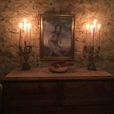 Les Filles Tresy kast schilderijtje kaarsen